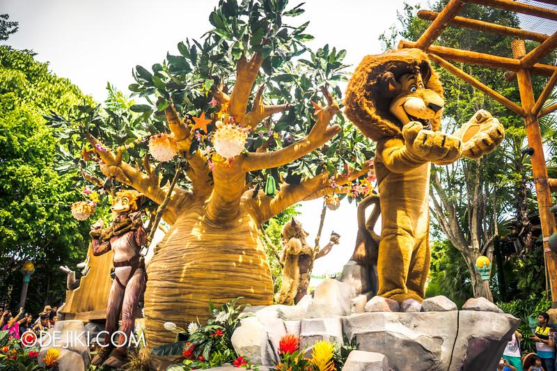 Universal Studios Singapore - Park Update March 2015 - Hollywood Dreams Parade 2015 Renewal: Universal Party Parade 4 Madagascar