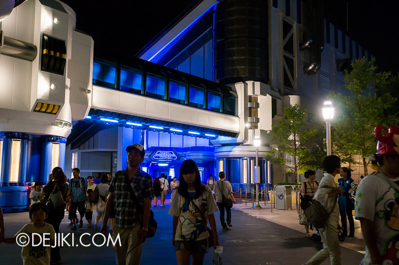 Star Tours: The Adventures Continue, at night 2