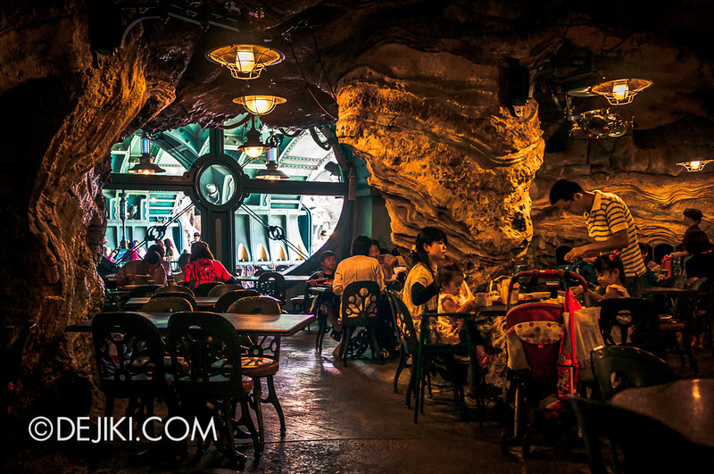 Mysterious Island - Vulcania Restaurant 11