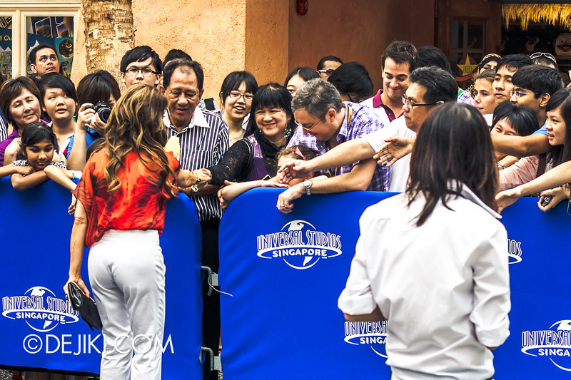Universal Studios Singapore - Grand Opening 2011 - Paula Abdul greets crowd 2