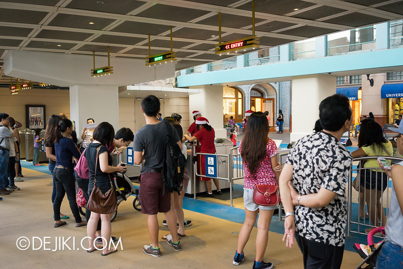 Universal Studios Singapore - After 6PM Entry
