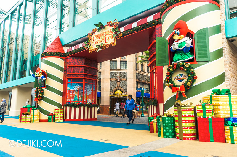 Universal Studios Singapore - Park Update December 2014 - Christmas at Santa's Land 2 / New Entrance Decor at Park Gates