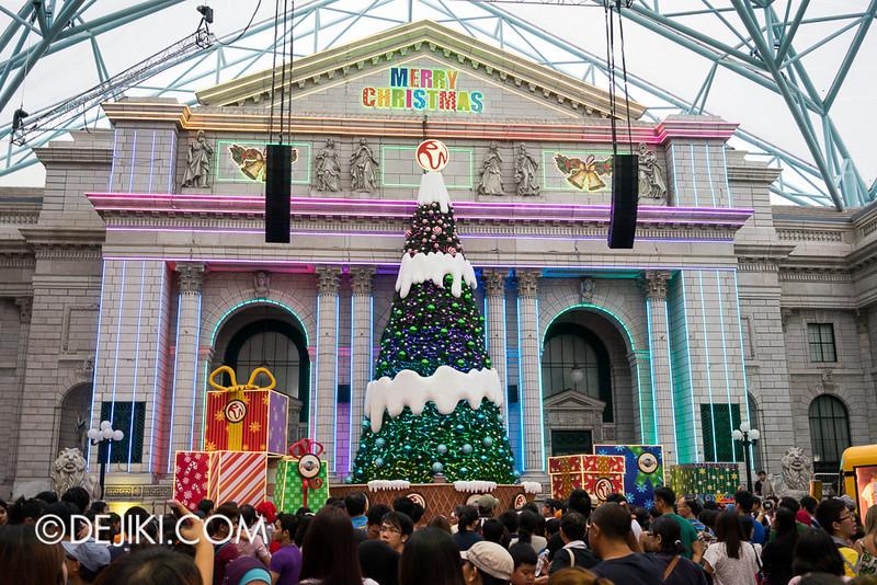 Universal Studios Singapore - Christmas at New York