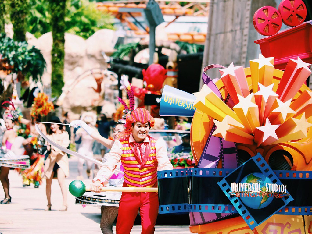 Universal Studios Singapore - Park Update March 2016 / Universal Party Parade / Hollywood Dreams Parade - 1