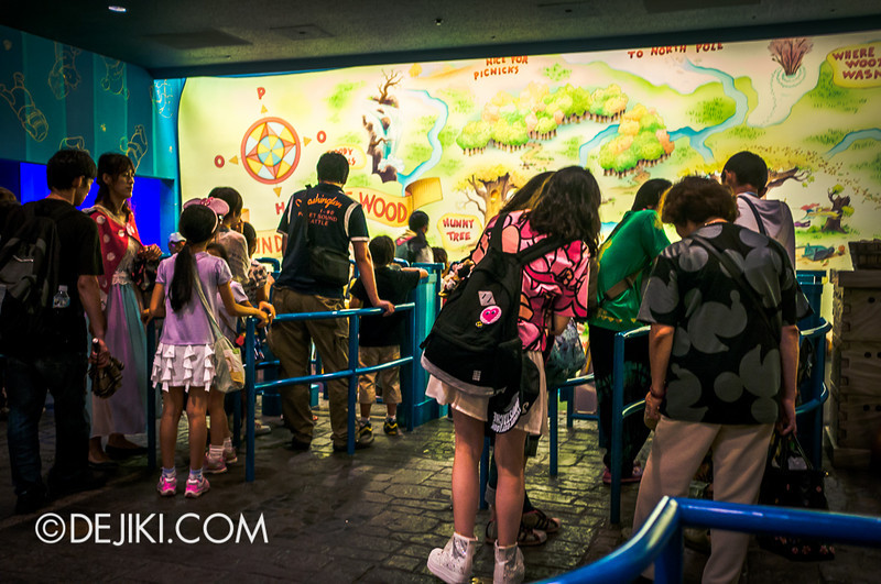 Tokyo Disneyland - Pooh's Hunny Hunt: Queue at load area 6