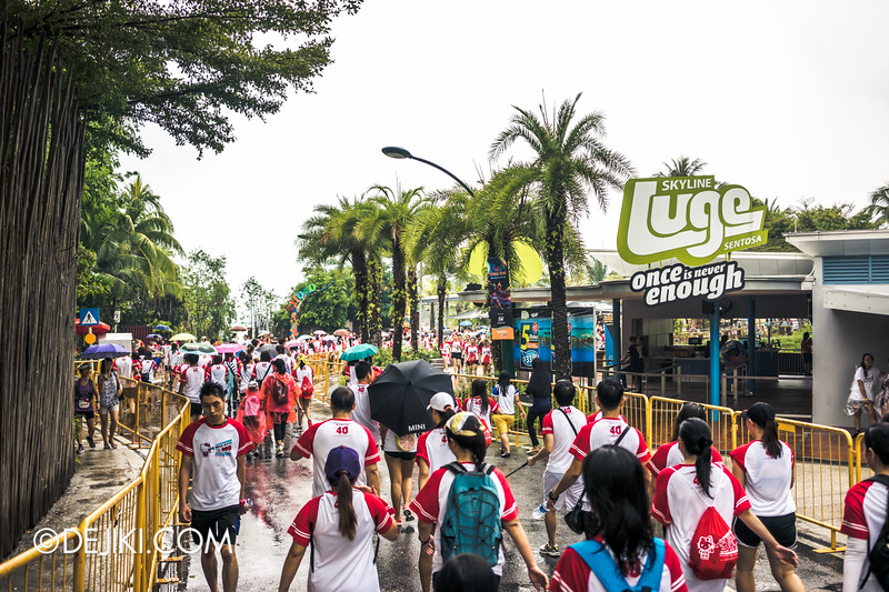 Hello Kitty Run Singapore - Rain after the Beach station