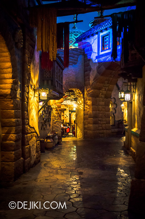 Arabian Coast - Streets at night 3