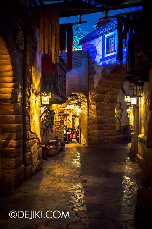 Arabian Coast - Streets at night 3