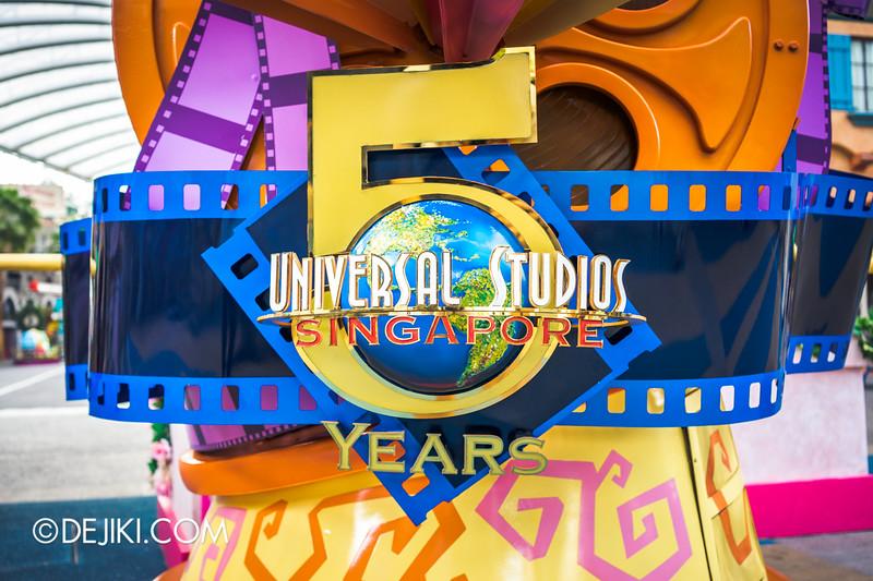 Universal Studios Singapore celebrates its 5th Anniversary - USS 5 YEARS Logo