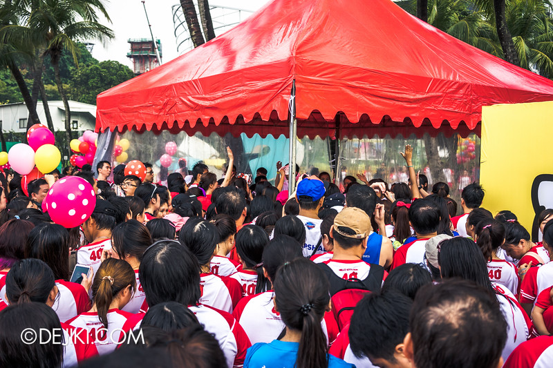 Hello Kitty Run Singapore - Chaos at second medal collection