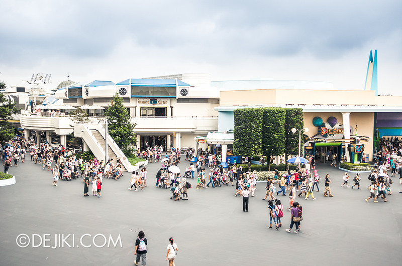 Tokyo Disneyland - Tomorrowland / Space Mountain 4