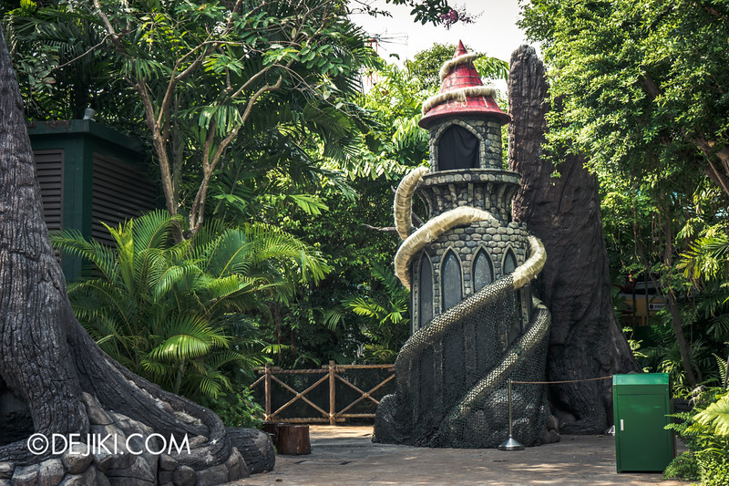 Halloween Horror Nights 4 Singapore - Before Dark 3 - Scary Tales scare zone - Rapunzel's Tower 1