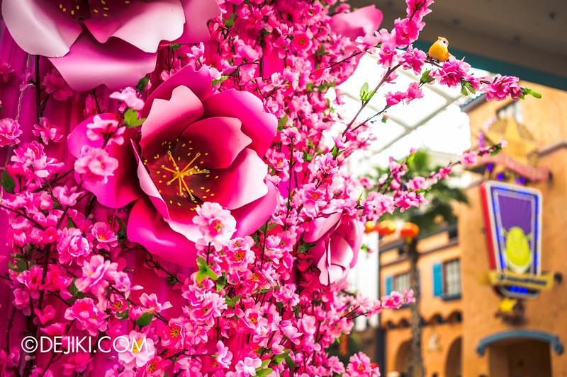 Universal Studios Singapore - Park Update February 2015 - Lunar New Year festive decorations / Festive arch flowers