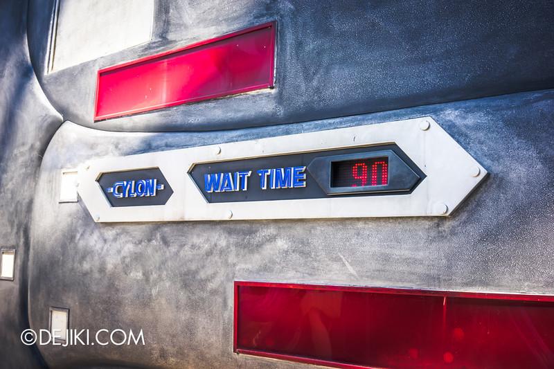 Universal Studios Singapore - Park Update June 2015 - Battlestar Galactica dueling roller coaster / long waiting time