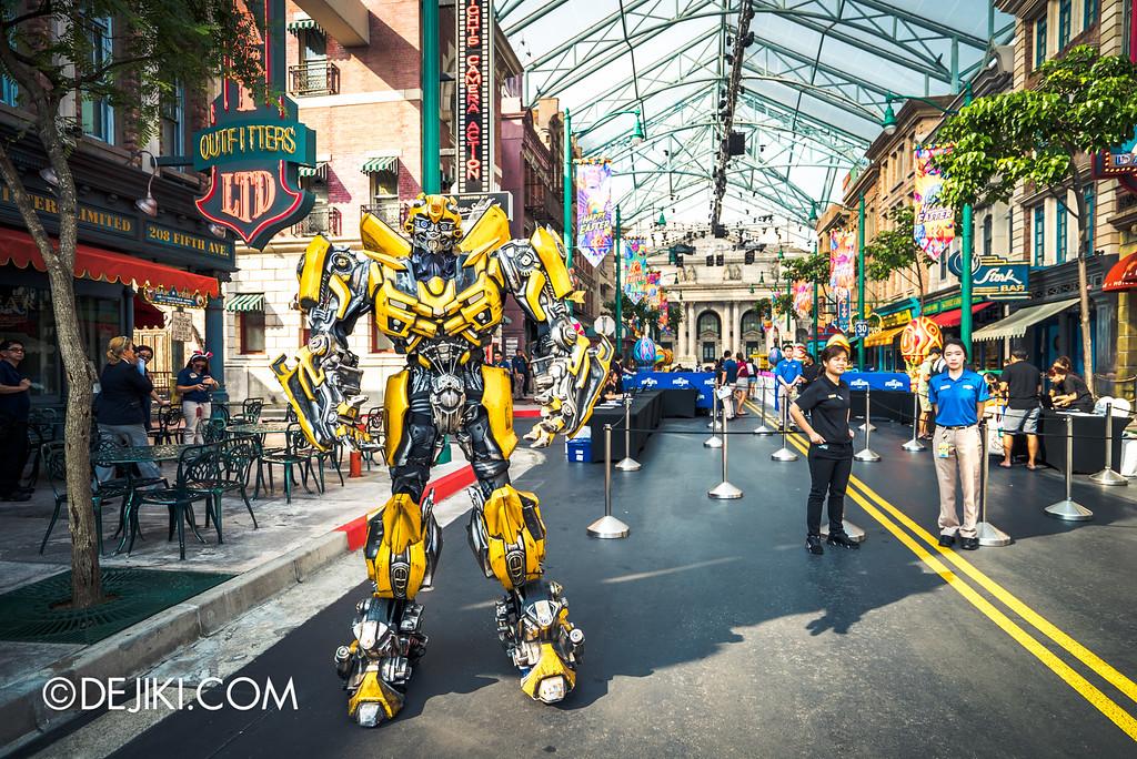 Universal Studios Singapore - Monopoly Day 2016 event / Bumblebee