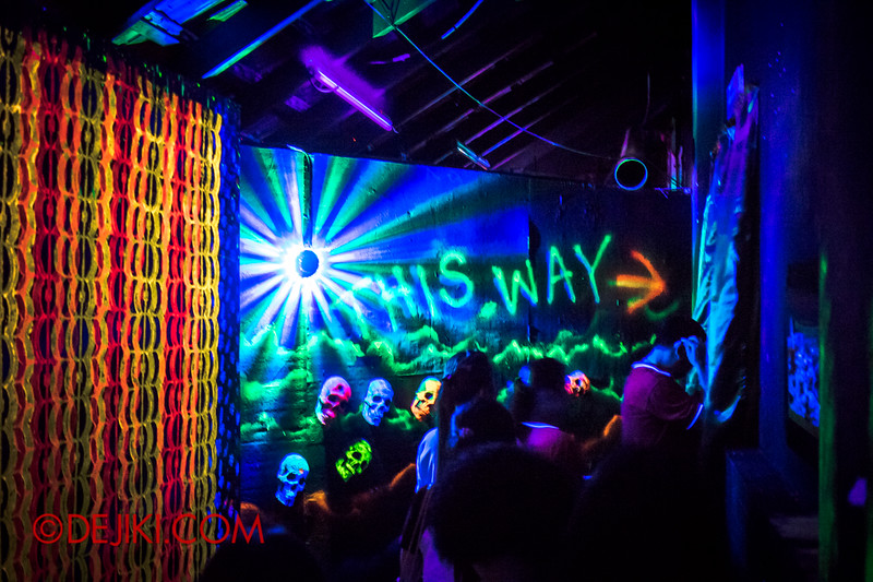 Sentosa Spooktacular 2014 - COUNTDOWN Haunted House / 3D maze - this way to more scares