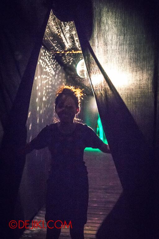 Sentosa Spooktacular 2014 - COUNTDOWN Haunted House /dancing at the club H