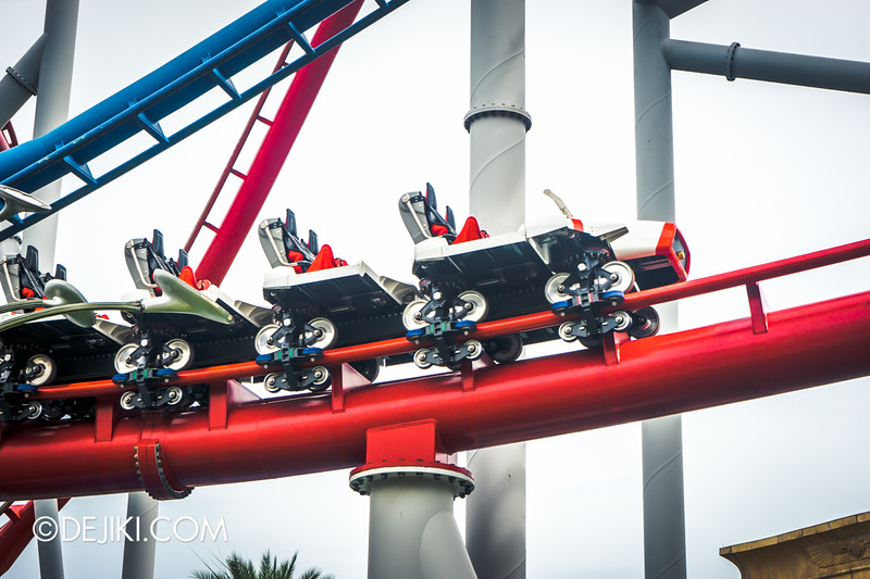 Universal Studios Singapore - Park Update December 2014 - Battlestar Galactica BSG HUMAN red roller coaster test cycles 3 / new ride vehicle