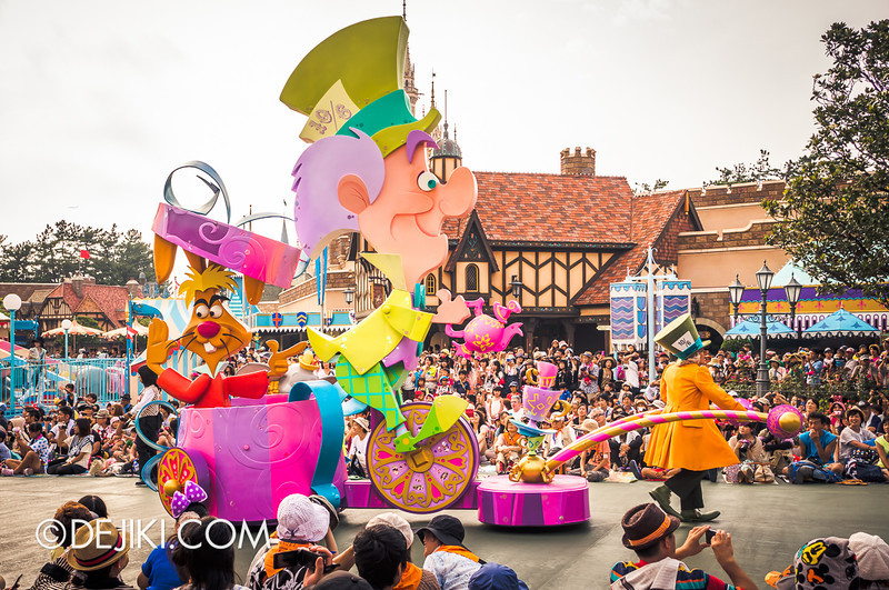 Tokyo Disneyland - Happiness is Here Parade 29 / Alice in Wonderland, Mad Hatter