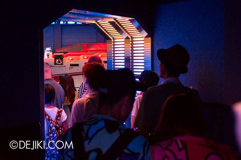 Star Tours: The Adventures Continue, queue bay