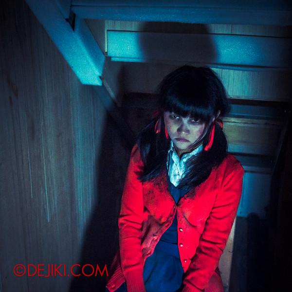 Halloween Horror Nights 4 - Jing's Revenge haunted house - walkthrough 1