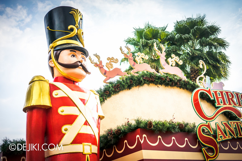 Universal Studios Singapore - Park Update December 2014 - Christmas at Santa's Land 2 / Christmas at Santa's Land - Toy Soldiers and Presents 2