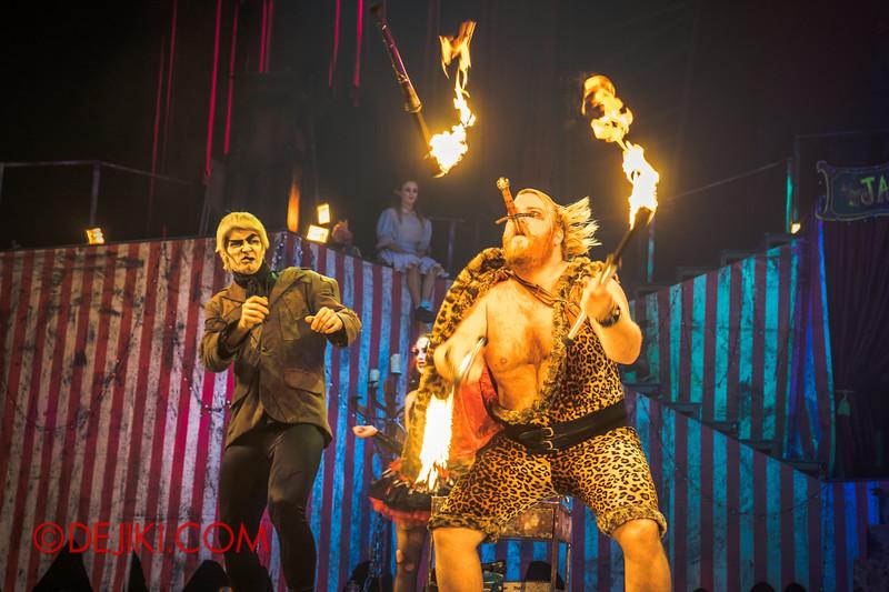 Halloween Horror Nights 4 - Jack's Nightmare Circus - Gordo Gamsby / Juggling