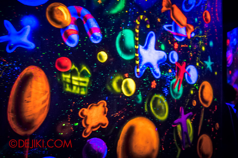 Sentosa Spooktacular 2014 - COUNTDOWN Haunted House / 3D maze - space paintings