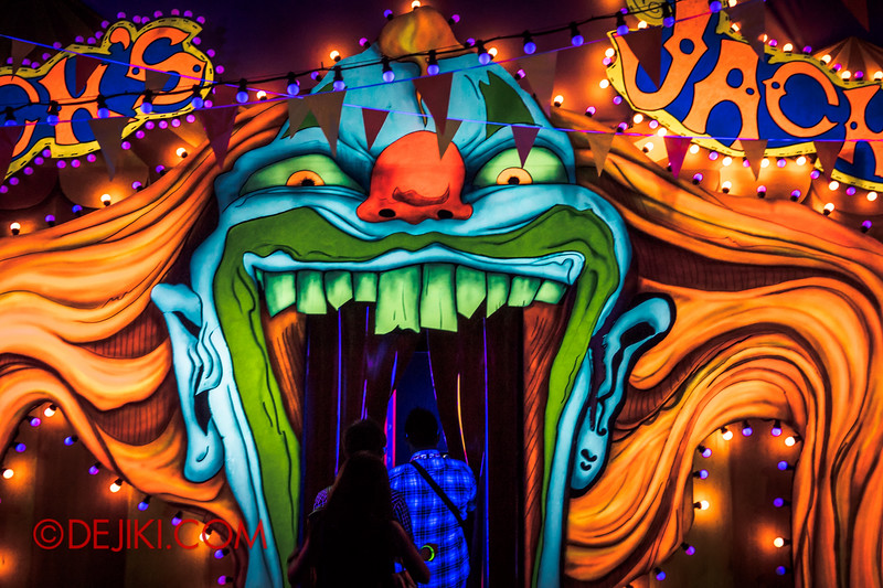 Halloween Horror Nights 4 - Jack's 3-Dementia 3D haunted house - Welcome to Jack's Funhouse