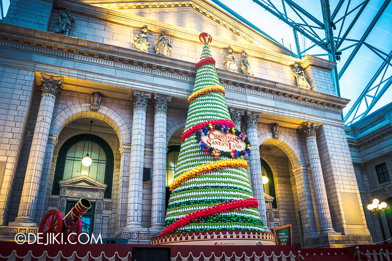 Universal Studios Singapore - Park Update December 2014 - Christmas at Santa's Land / Stage completed