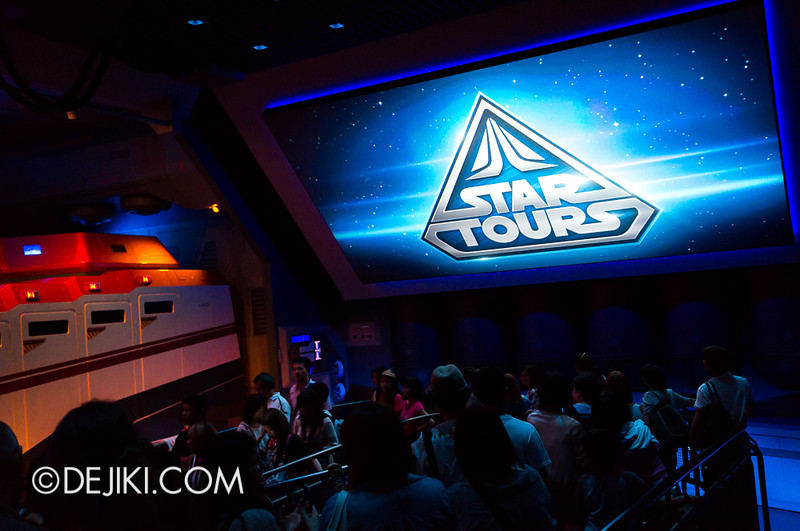 Star Tours: The Adventures Continue, queue bay 3