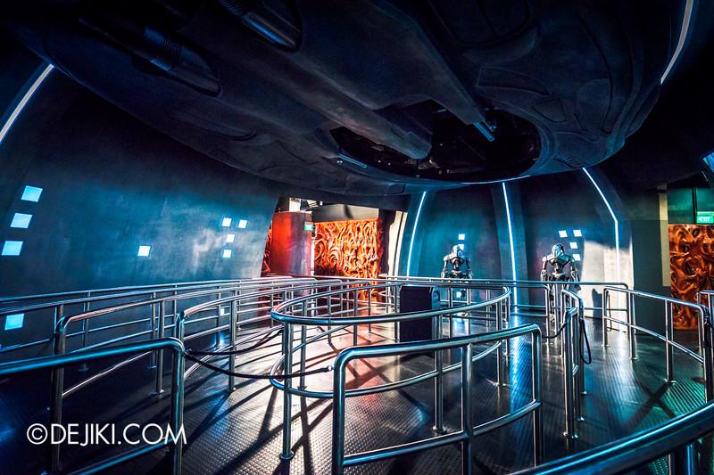 Universal Studios Singapore - Battlestar Galactica: HUMAN vs CYLON dueling roller coaster ride - CYLON Basestar / Modern Raider alt view