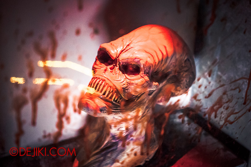 Halloween Horror Nights 4 - The L.A.B Laboratory of Alien Breeding - Trophies