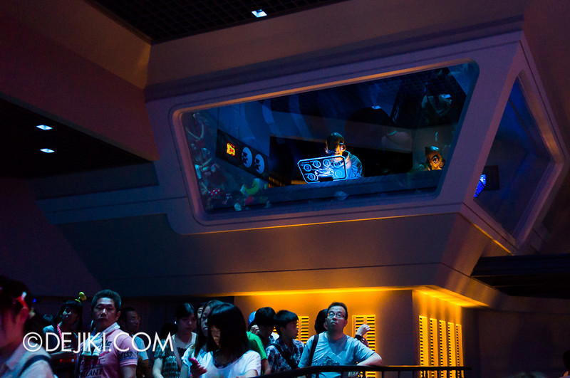 Star Tours: The Adventures Continue, queue bay 5