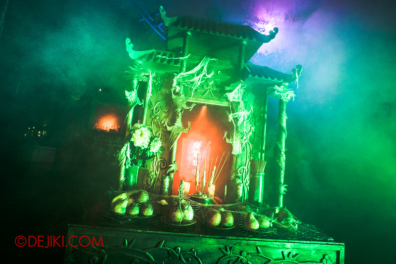 Halloween Horror Nights 5 - SNEAK PREVIEW - HUNGRY GHOSTS scare zone / The Altar