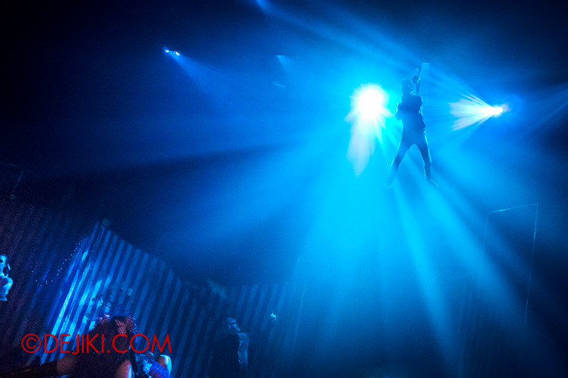 Halloween Horror Nights 4 - Jack's Nightmare Circus - The hanging of the contortionist