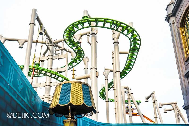 Universal Studios Singapore - Park Update July 2014 - Puss in Boots rollercoaster update 2
