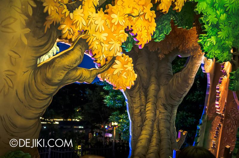Tokyo Disneyland - Pooh's Hunny Hunt queue 5