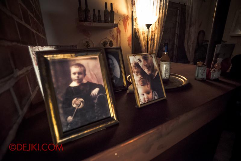 Halloween Horror Nights 5 Haunted House - Siloso Gateway Block 50 / Inside the Eurasian home - photo frames at mini bar