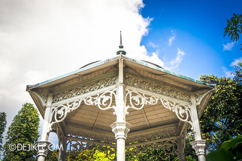 The Istana, Singapore - Queen Victoria Statue Gazebo