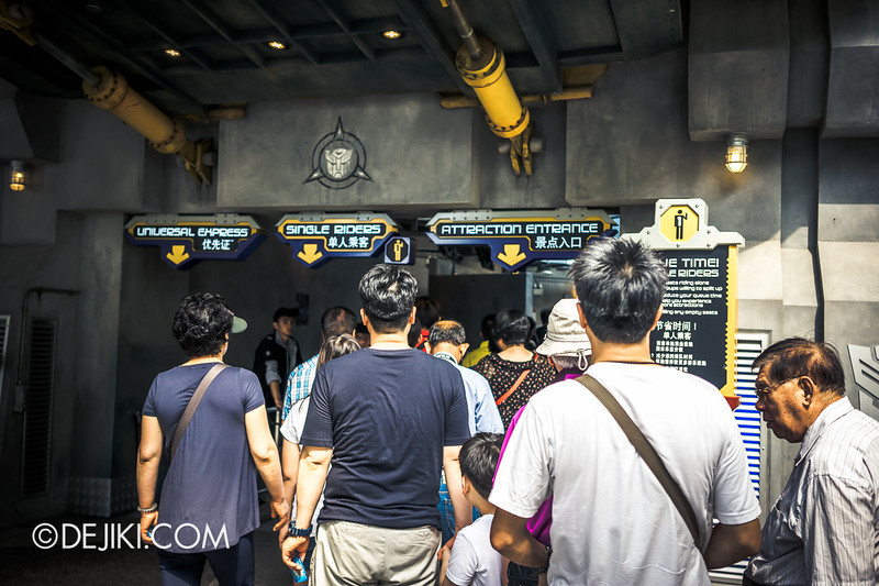 Universal Studios Singapore - Park Update June 2014 - Transformers Crowd 1