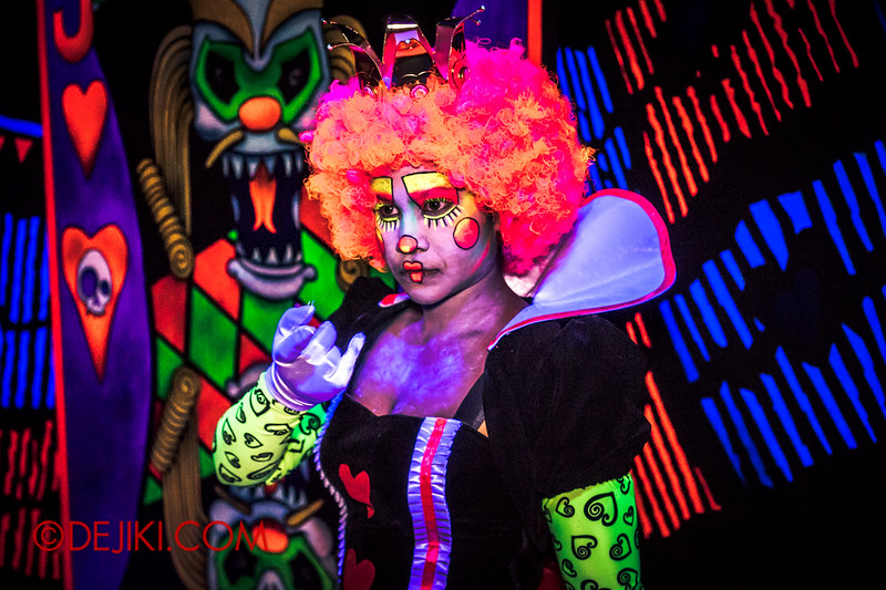 Halloween Horror Nights 4 - Jack's 3-Dementia 3D haunted house - The Queen of Hearts