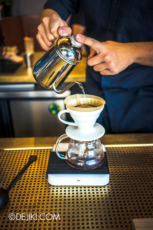 Paddy Hills cafe - handbrew prep 2