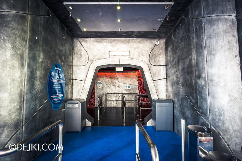Universal Studios Singapore - Battlestar Galactica: HUMAN vs CYLON dueling roller coaster ride - CYLON queue entrance