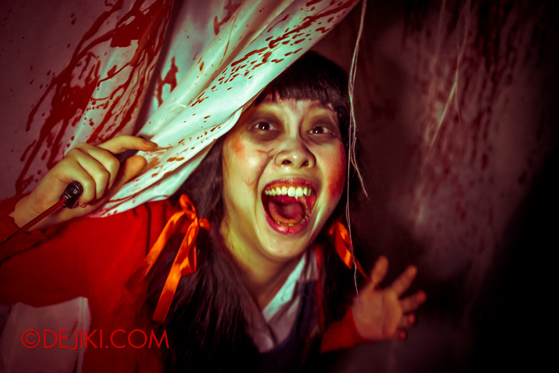 Halloween Horror Nights 4 - Jing's Revenge haunted house - Jing's final farewell