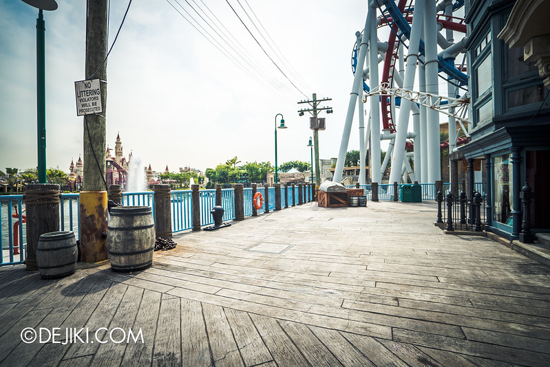 Universal Studios Singapore - Park Update November 2015 / HHN5 Aftermath: ConTERMINATED is gone, Harbour empty area