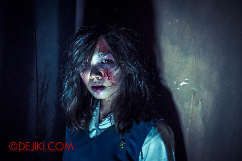 Halloween Horror Nights 4 - Jing's Revenge haunted house - Jing's classmate