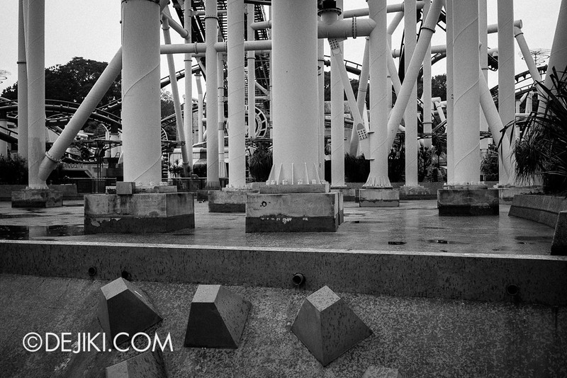 Universal Studios Singapore - Galactica Ruins 4