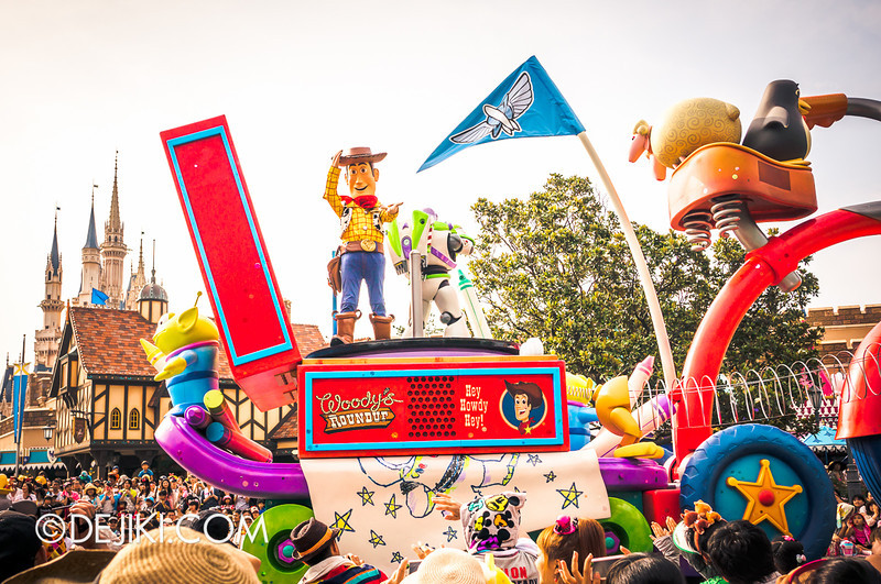 Tokyo Disneyland - Happiness is Here Parade 15 / Woody and Buzz