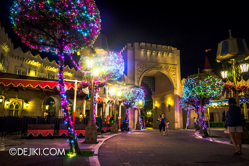 Universal Studios Singapore - Park Update December 2014 - Christmas at Santa's Land / Far Far Away at night 3